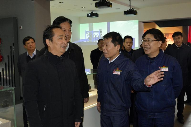 2018年12月25日 陕西省西安市委副书记、市政府市长、党组书记 李明远来公司参观调研